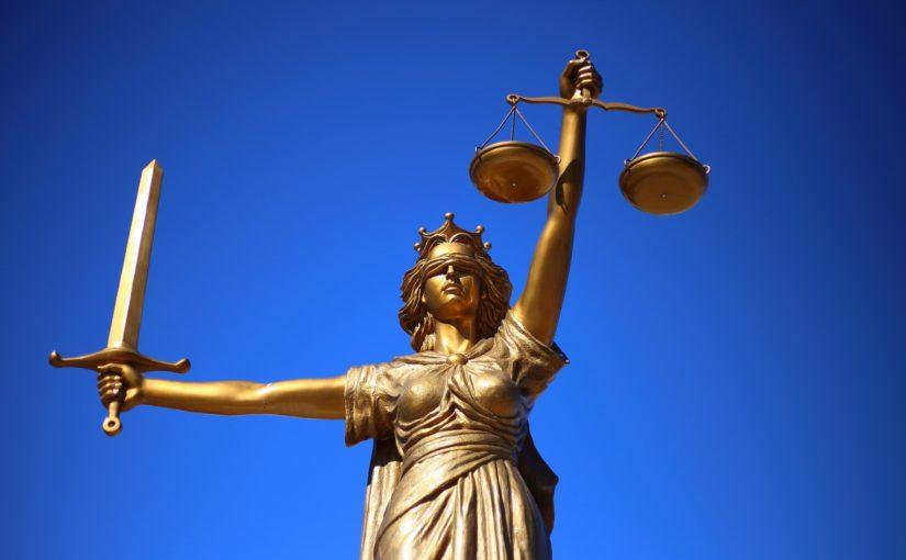 Pomoc prawna – Kancelaria prawna oferuje porady prawne. Rada obejmuje informacje z każdej gałęzi prawa.